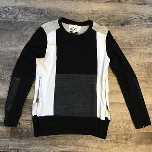 Aiko color block zipper leather sleeve top S